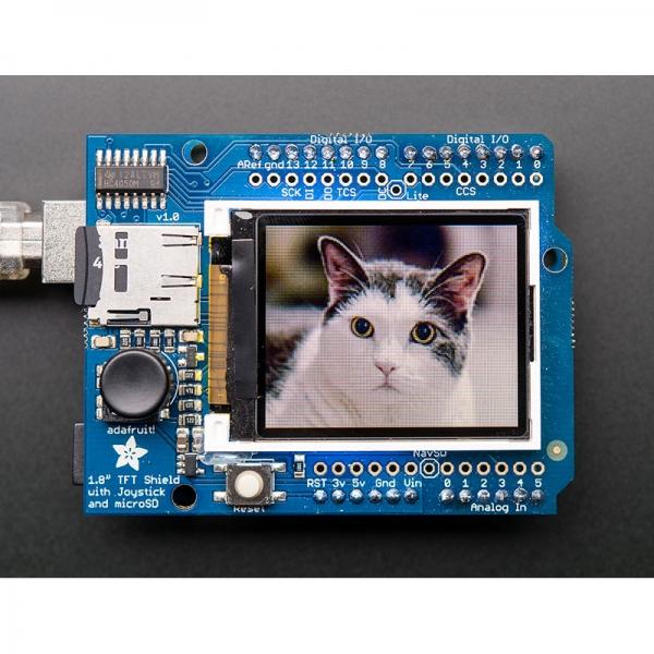 18-битный TFT дисплей со слотом microSD и джостиком