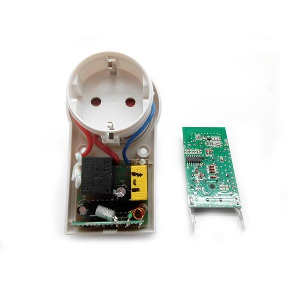 Беспроводная розетка диапазона 433 МГц (3 розетки по 2 кВт).