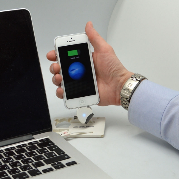 Портативное зарядное устройство Power-флешка