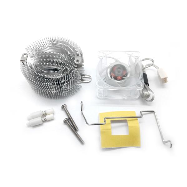 Универсальный радиатор с вентилятором 12В (эф. площадь 800 см2)